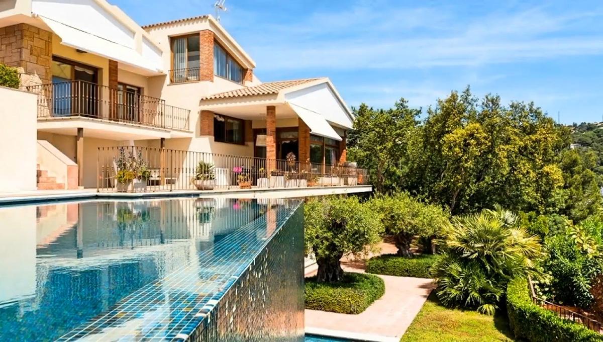 Villa en una urbanización de lujo