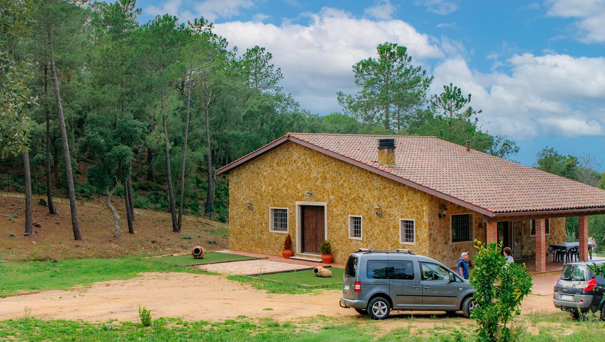 Newly built Catalan farmhouse